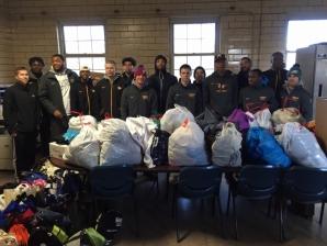 men's basketball team helps the homeless
